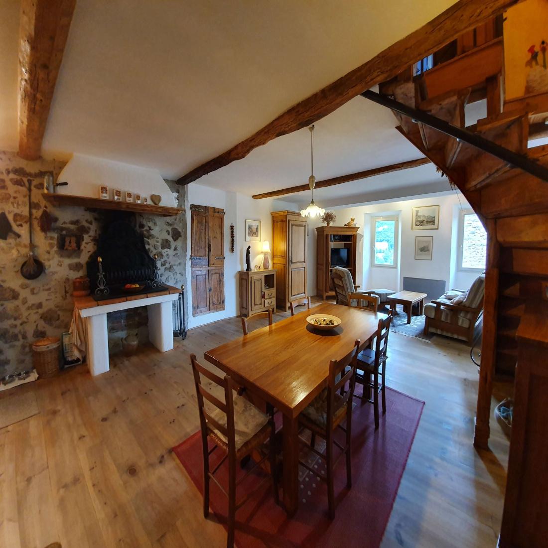 La Maison Du Parquet vente maison du 16eme siecle avec cachet (mur en pierre