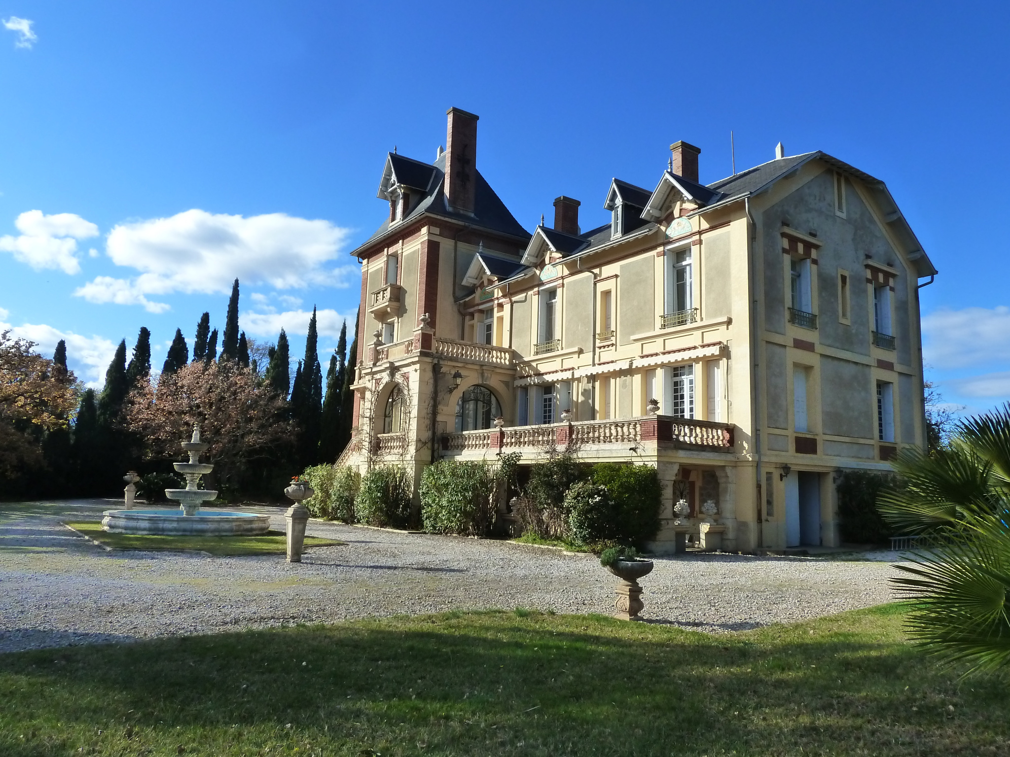 À vendre chateau de 760m2 à brouilla (66620) - Photo 2'