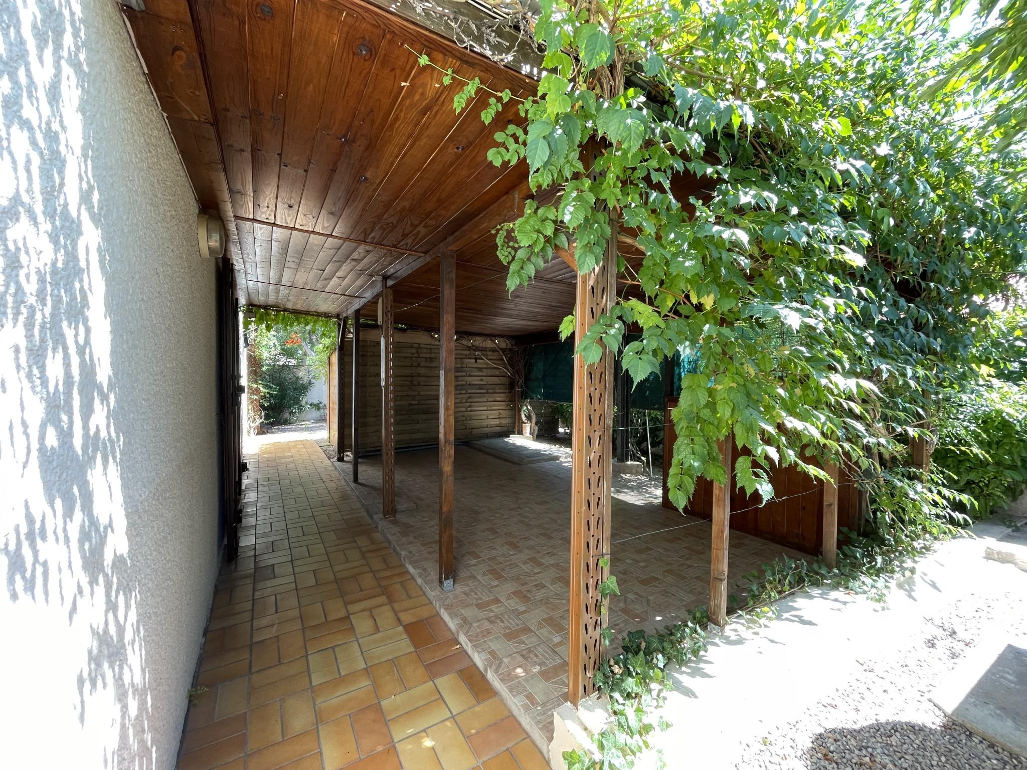 À vendre maison/villa de 100m2 à st genis des fontaines (66740) - Photo 4'