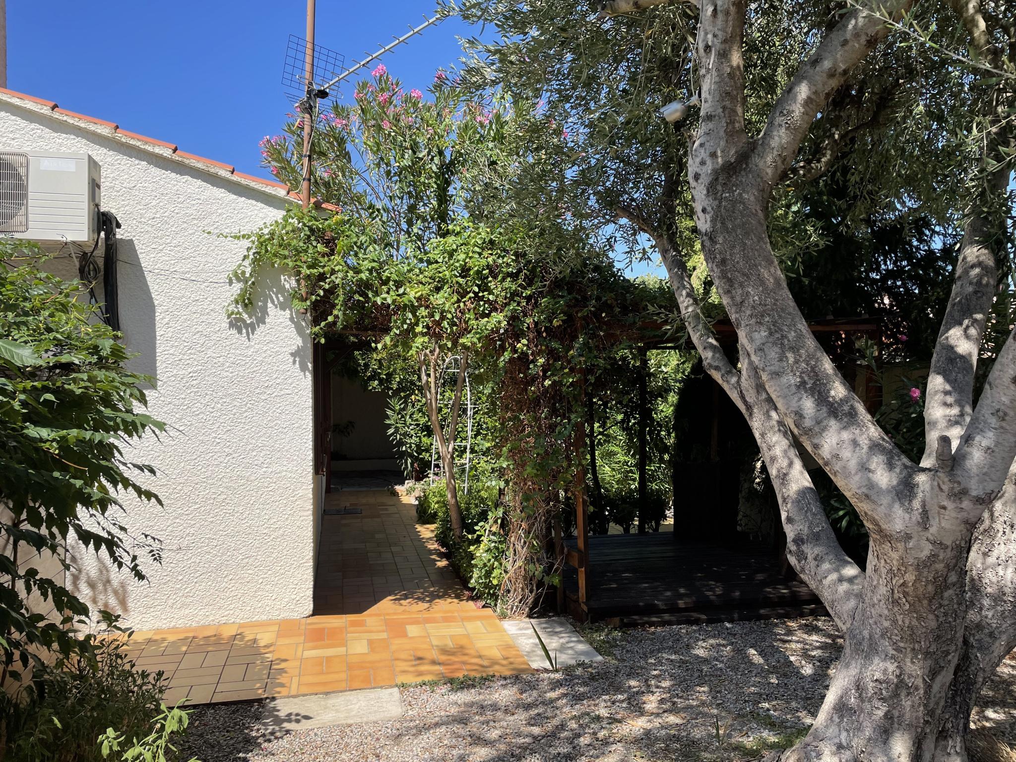 À vendre maison/villa de 100m2 à st genis des fontaines (66740) - Photo 2'