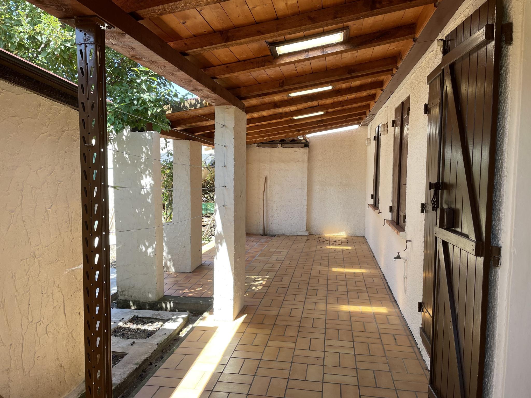 À vendre maison/villa de 100m2 à st genis des fontaines (66740) - Photo 5'